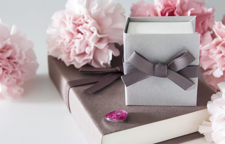 Фото обои цветы, подарок, розовые, wood, pink, flowers, beautiful, romantic, gift, гвоздики, carnation