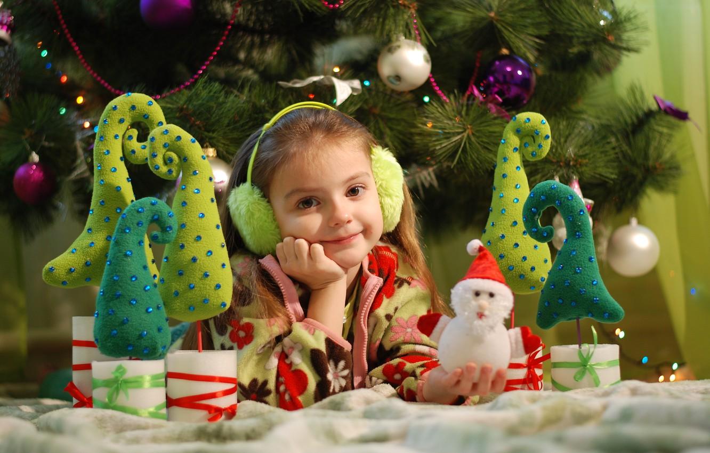 Фото обои украшения, праздник, игрушки, новый год, рождество, девочка, ёлка, ребёнок