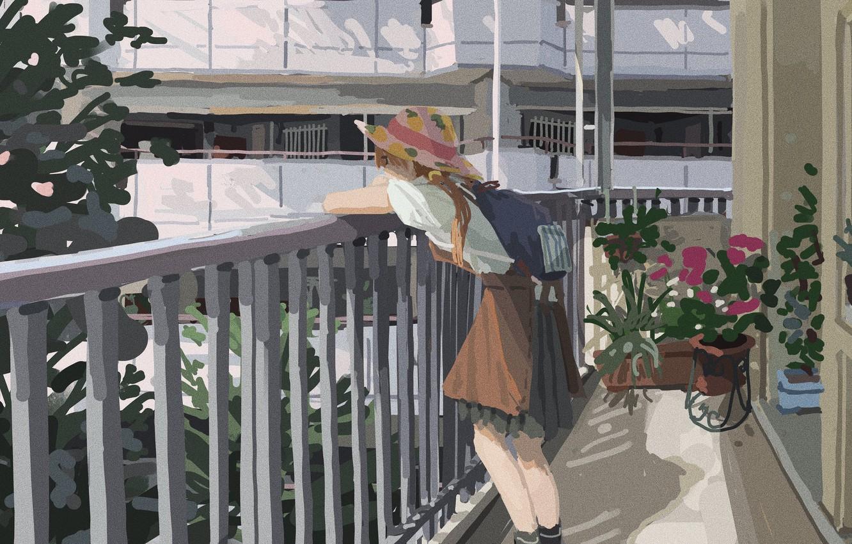 Фото обои дома, шляпа, перила, рыжая, школьница, рюкзак, растения и цветы, летний день, на балконе, лоджия, юбка …