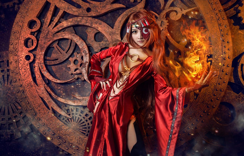 Фото обои грудь, глаза, взгляд, девушка, украшения, красный, металл, поза, стиль, темный фон, огонь, пламя, магия, модель, …