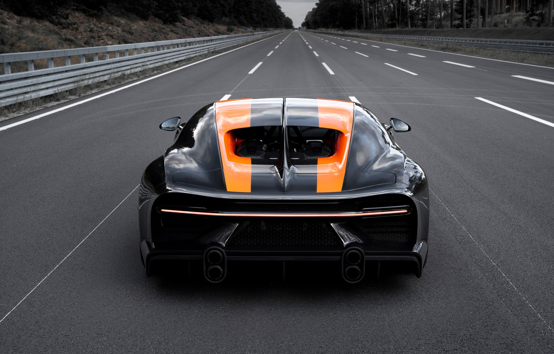 Фото обои асфальт, Bugatti, трек, гиперкар, Chiron, Super Sport 300+