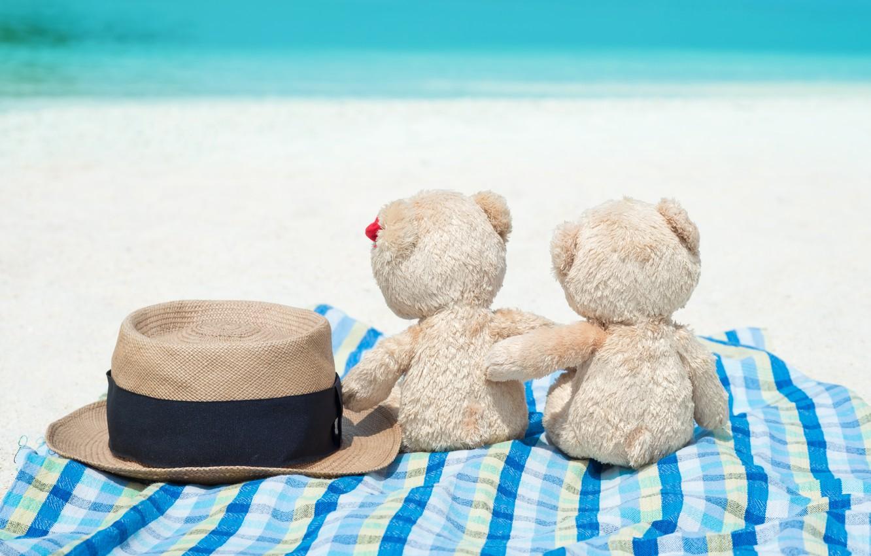 Фото обои песок, море, пляж, любовь, игрушка, медведь, мишка, пара, love, двое, beach, bear, sea, romantic, sand, …