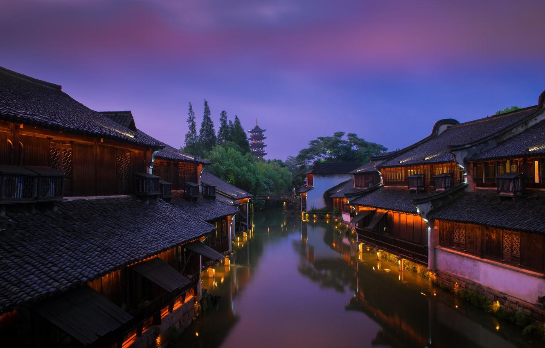 Фото обои вода, деревья, город, рассвет, улица, дома, утро, освещение, Китай, канал, пагода, Dave B