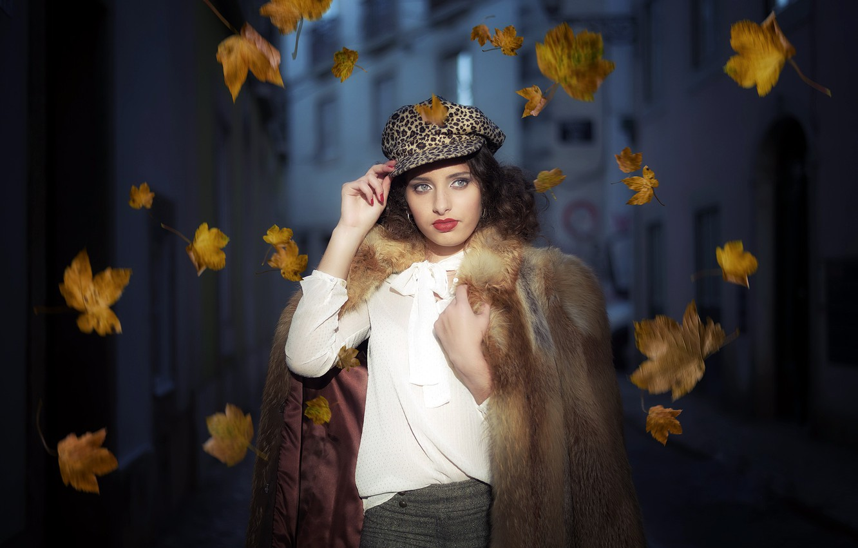 Фото обои листья, девушка, портрет