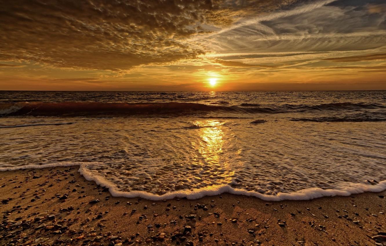 Фото обои море, пена, закат, берег, волна
