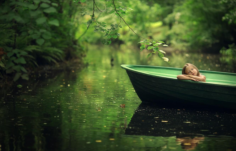 Фото обои лето, листья, ветки, природа, лодка, девочка, ребёнок, водоём, Марианна Смолина