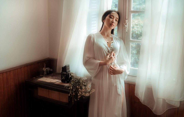 Фото обои девушка, окно, азиатка