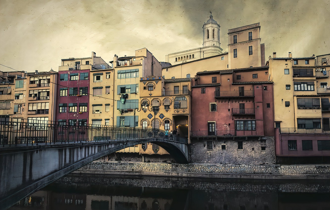 Фото обои Catalonia, Girona, Old Town Bridge