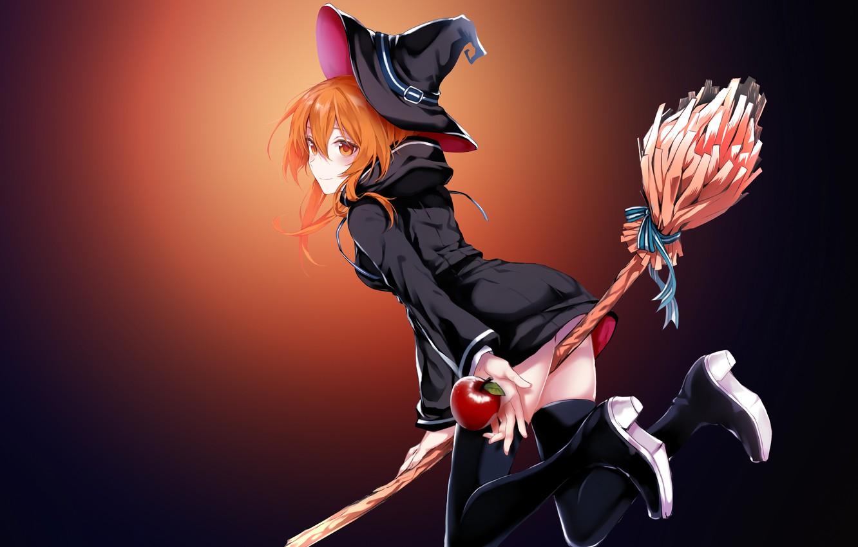 Фото обои кровавая луна, черный плащ, шляпа ведьмы, красное яблоко, ведьмочка, на метле, рыжая бестия