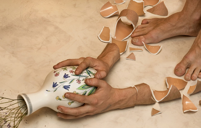 Фото обои flowers, broken, vase, shattered, pottery, cracked, ceramics, Erik Johansson