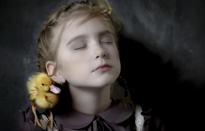 Фото обои портрет, девочка, утка