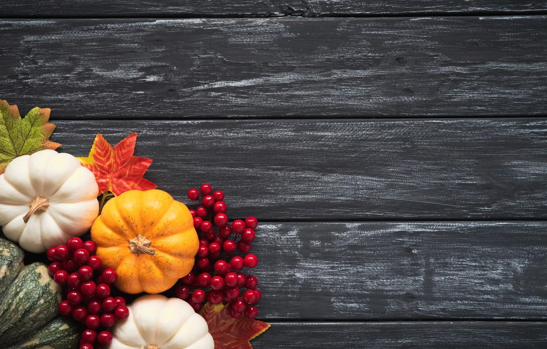Фото обои осень, листья, фон, доски, colorful, тыква, клен, wood, background, autumn, leaves, осенние, pumpkin, maple