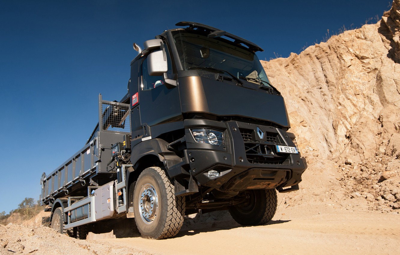 Фото обои песок, небо, грузовик, Renault, кузов, КМУ, Renault Trucks, K-series