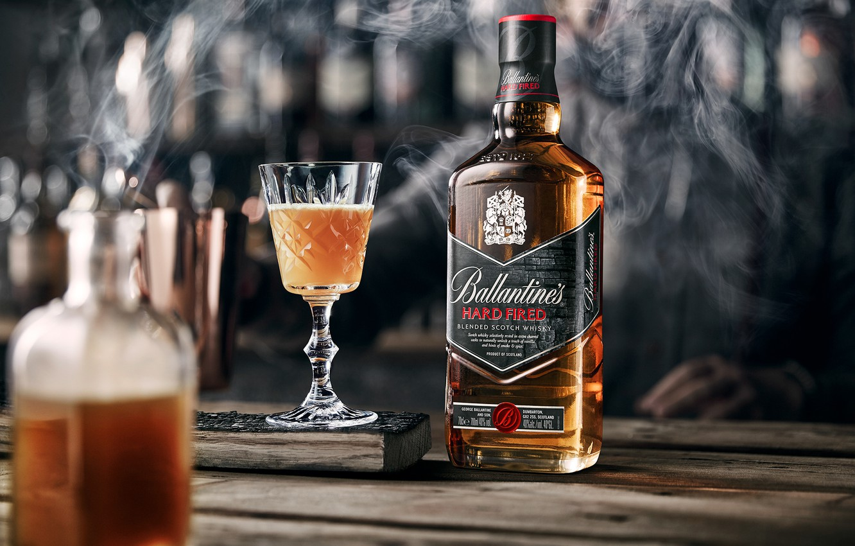 Фото обои дым, бокал, алкоголь, напиток, виски, smoke, Whiskey, Ballantine's
