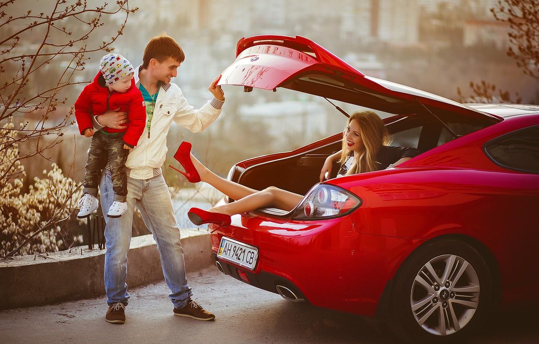 Фото обои машина, люди, женщина, семья, мужчина, багажник, автомобиль, ребёнок, Анна Моргунова