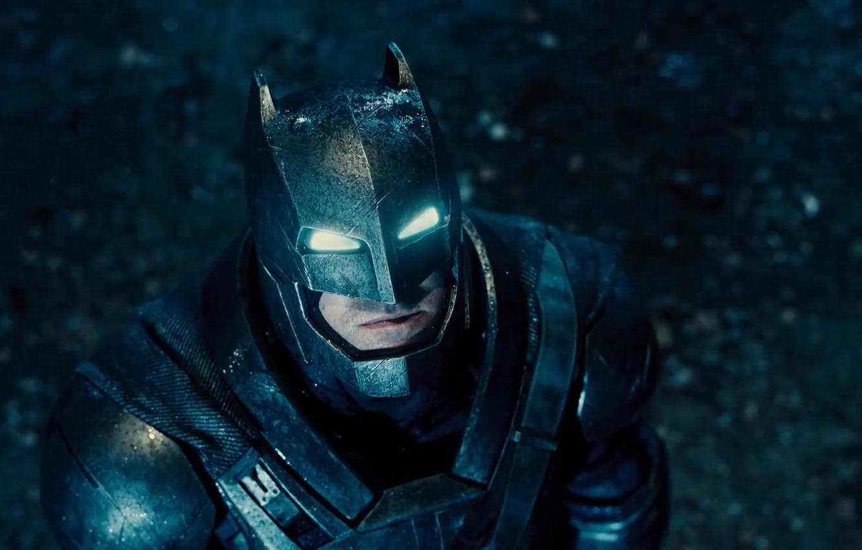 Фото обои фантастика, бэтмен, костюм, шлем, броня, Batman, Бен Аффлек, бронекостюм, DC comics, Ben Affleck, Batman v …