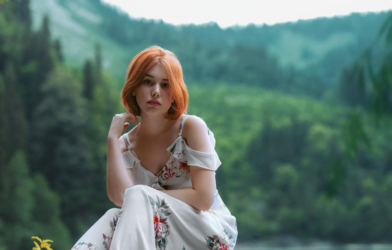 Фото обои лето, девушка, природа, поза, платье, рыжая, плечи, Юрий Захаров
