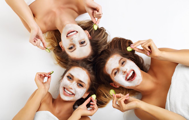 Фото обои smile, beauty, women, fun, girlfriends, creams