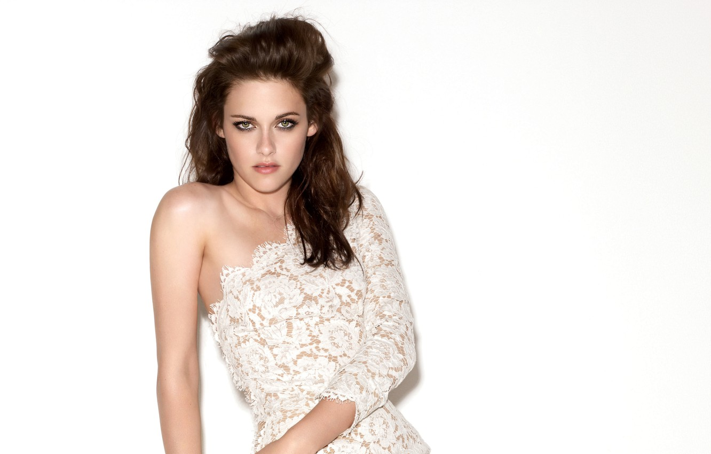 Фото обои Kristen Stewart, look, actress, white background, bare shoulder
