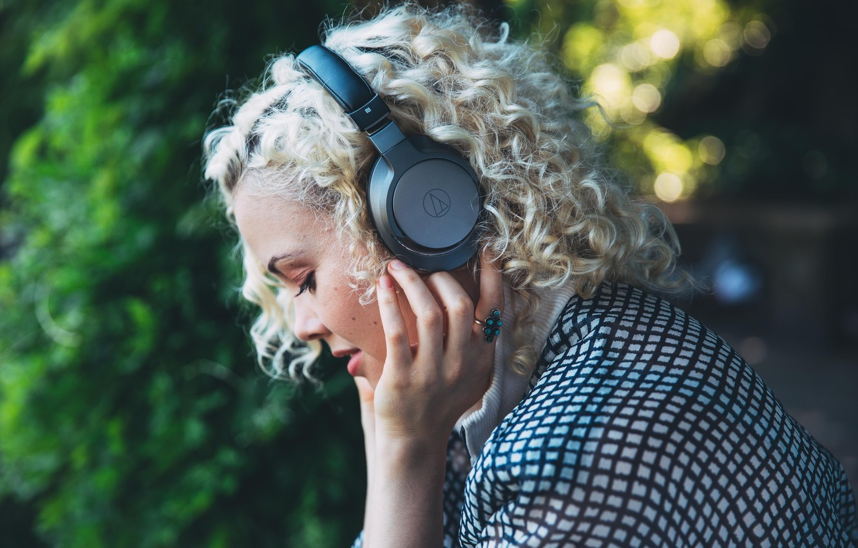 Фото обои headphones, Bluetooth, Audio-Technica, Беспроводные наушники, Bluetooth гарнитура, Audio-Technica ATH-AR5BT, premium wireless Bluetooth headphones, Hi-Res Audio