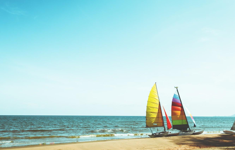 Фото обои песок, море, волны, пляж, лето, лодка, парусник, summer, beach, sea, blue, seascape, sand, wave, boat