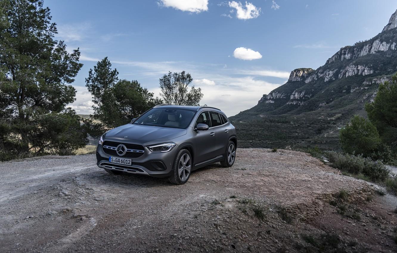Фото обои горы, серый, скалы, Mercedes-Benz, GLA, 4MATIC, 2020, Worldwide, Progressive Line, 220 d