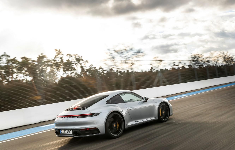 Фото обои купе, 911, Porsche, ограждение, трек, Carrera 4S, 992, 2019