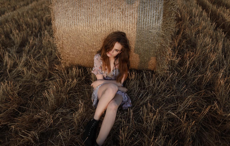 Фото обои девушка, ножки, губки, в поле, Aleks Five