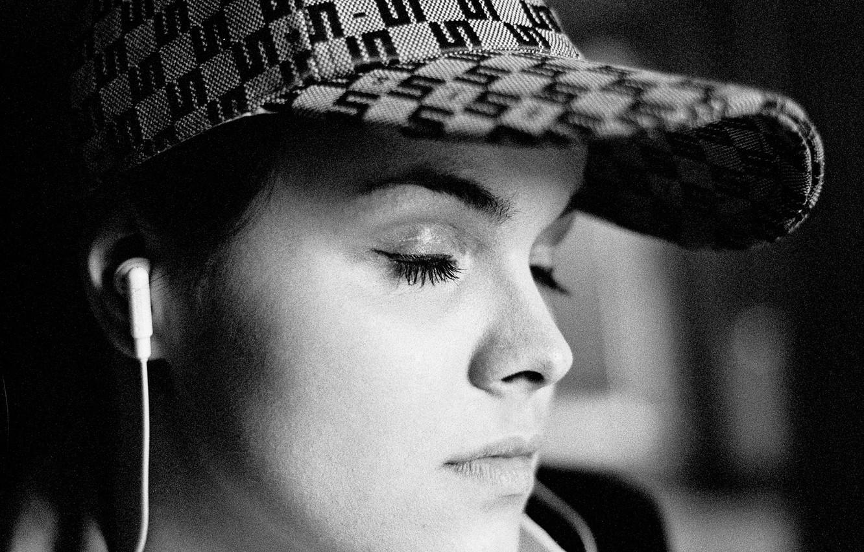 Фото обои black & white, relax, girl, photography, photo, photographer, headphones, monochrome, mood, bokeh, lips, face, tranquility, …