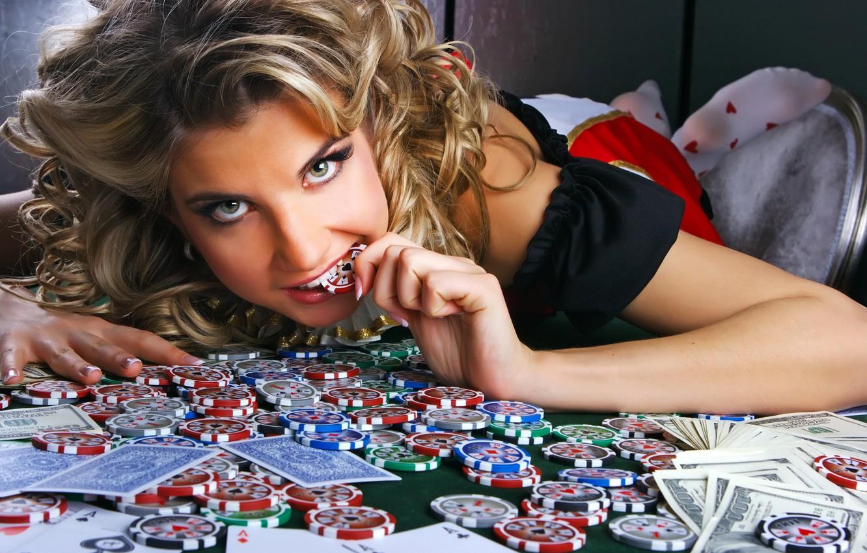 Фото обои девушка, деньги, фишки, казино