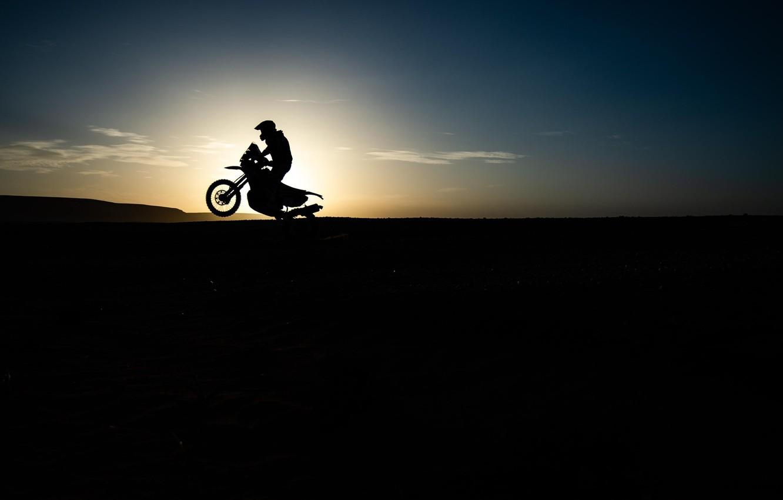 Фото обои Солнце, Спорт, Гонка, Силуэт, Мотоцикл, Bike, Dakar, Дакар, Moto