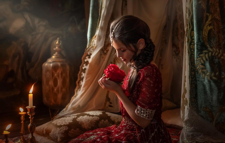 Фото обои цветок, украшения, роза, сказка, подушки, свечи, девочка, ложе, подросток, Пипкина Оксана