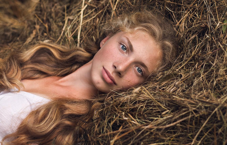 Фото обои портрет, веснушки, губки, рыжеволосая, Гарипова Элина, portrait girl summer nature hay view