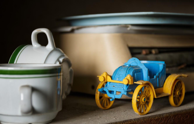 Фото обои машина, игрушка, кружки