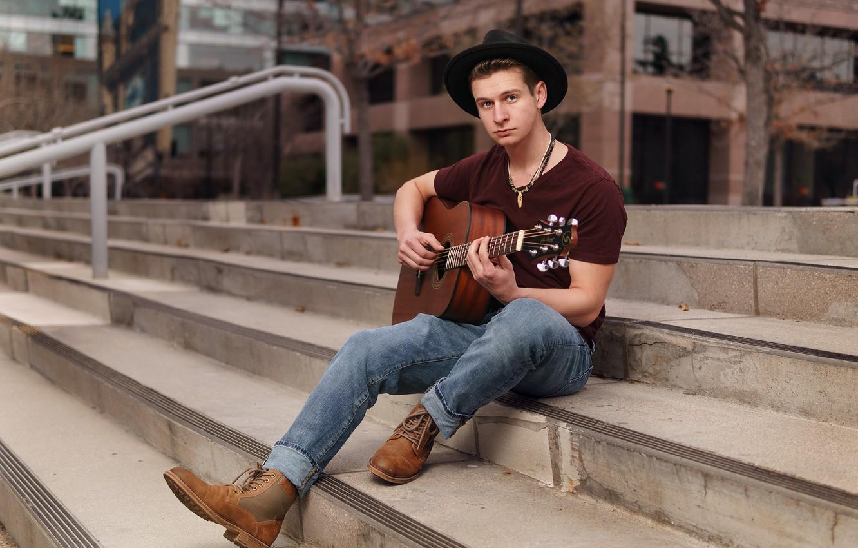 Фото обои гитара, шляпа, лестница, ступени, парень