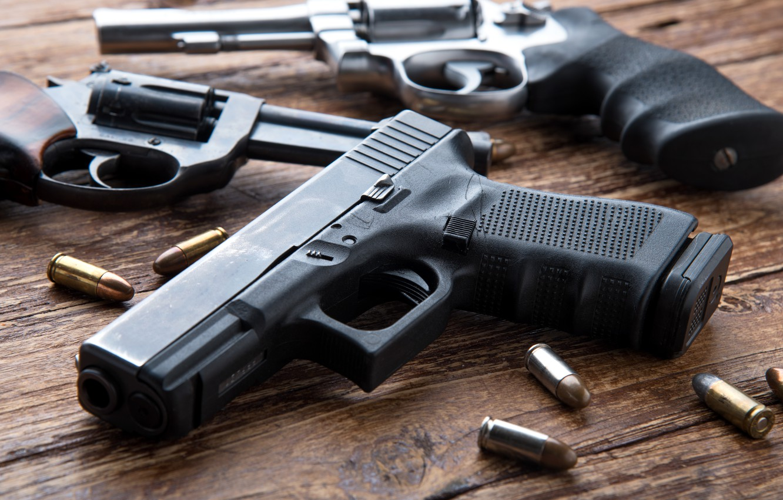 Фото обои pistols, ammunition, firearms, revolvers
