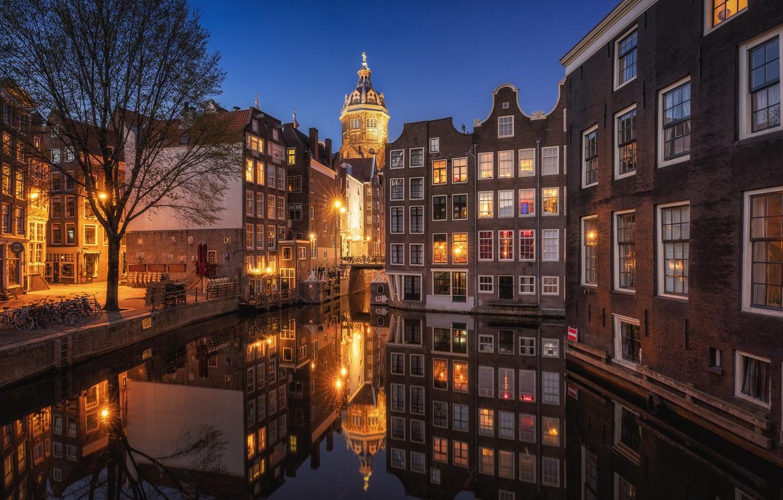 Фото обои отражение, здания, дома, Амстердам, канал, Нидерланды, ночной город, набережная, Amsterdam, Netherlands, Де Валлен, De Wallen