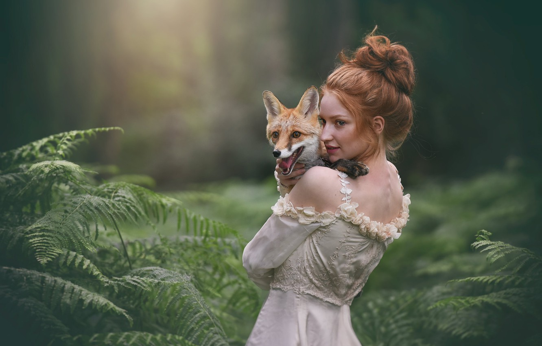 Фото обои девушка, лиса, рыжая, папоротник