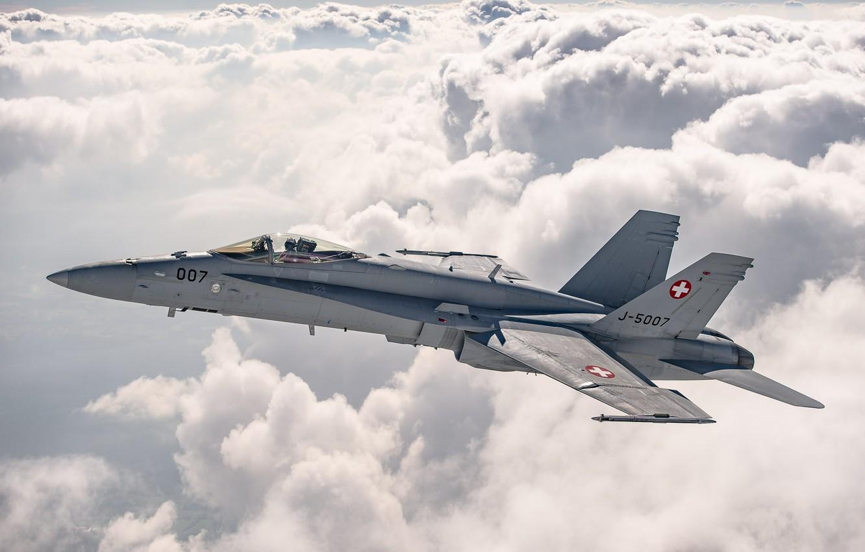 Фото обои Облака, Истребитель, Пилот, ВВС Швейцарии, F/A-18 Hornet, Кокпит, ПТБ
