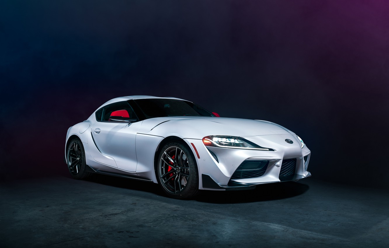 Фото обои фон, белая, вид спереди, Toyota Supra