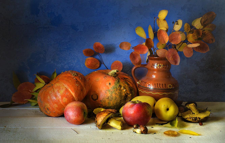 Фото обои осень, листья, ветки, грибы, кувшин, фрукты, натюрморт, овощи