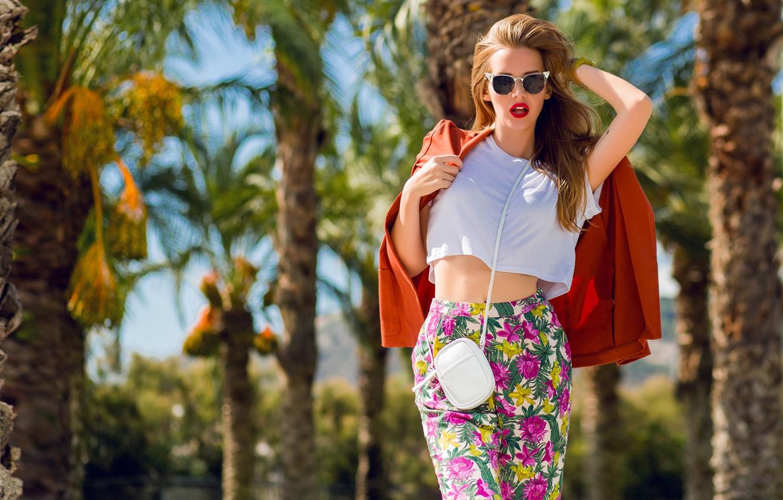 Фото обои девушка, поза, стиль, модель, очки, сумочка, рыжая, пиджак, рыжеволосая, брюки