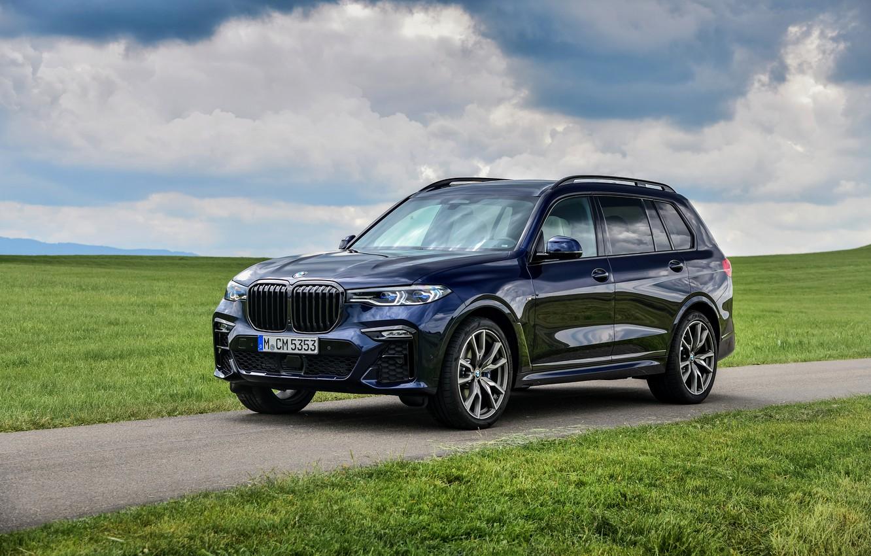 Фото обои газон, BMW, кроссовер, SUV, 2020, BMW X7, M50i, X7, G07