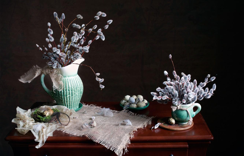 Фото обои ветки, яйца, перья, гнездо, кружка, кувшин, натюрморт, столик, верба, блюдце, салфетка