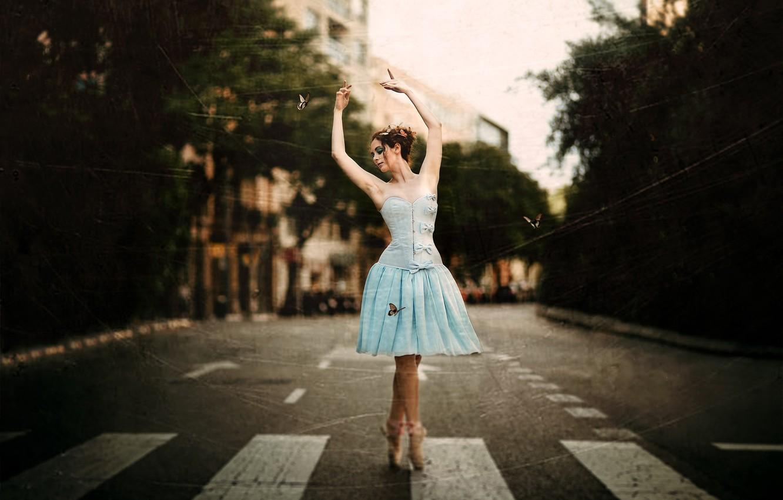 Фото обои девушка, город, улица