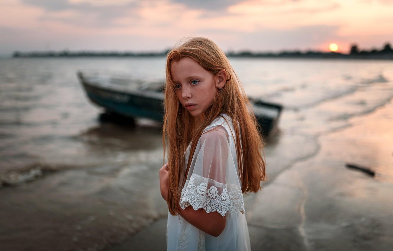 Фото обои лодка, девочка, веснушки, Ульяна Найденкова