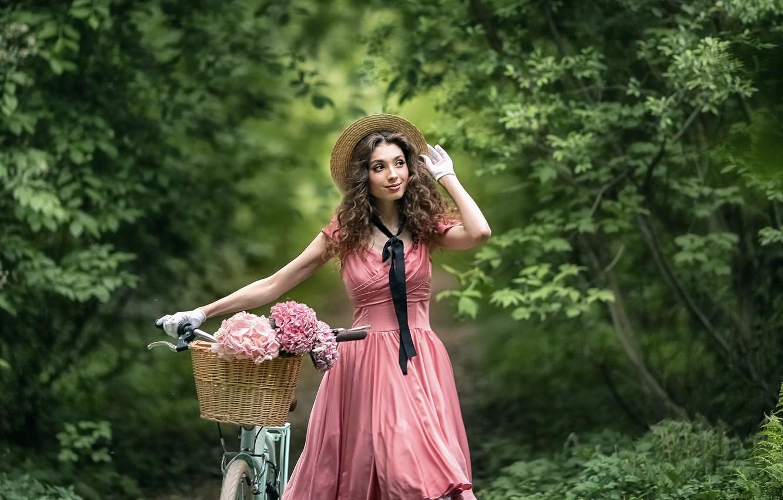 Фото обои девушка, цветы, природа, велосипед, поза, настроение, корзина, платье, перчатки, шляпка, прогулка, кудри, гортензия, Анастасия Бармина, …