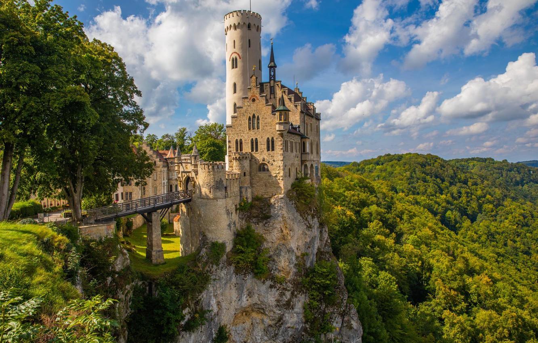 Фото обои лес, облака, деревья, мост, скала, замок, Германия, Germany, Лихтенштайн, Lichtenstein, Баден-Вюртемберг, Baden-Württemberg, Замок Лихтенштайн, Lichtenstein …