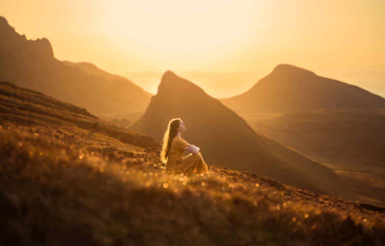 Фото обои девушка, свет, горы