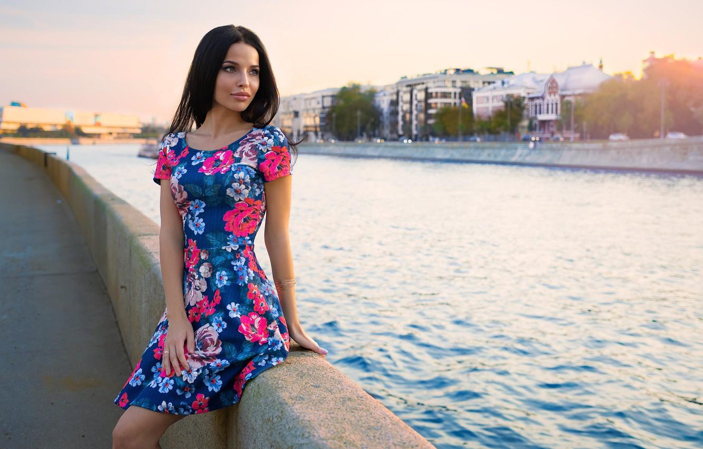 Девушки в городе михайлов